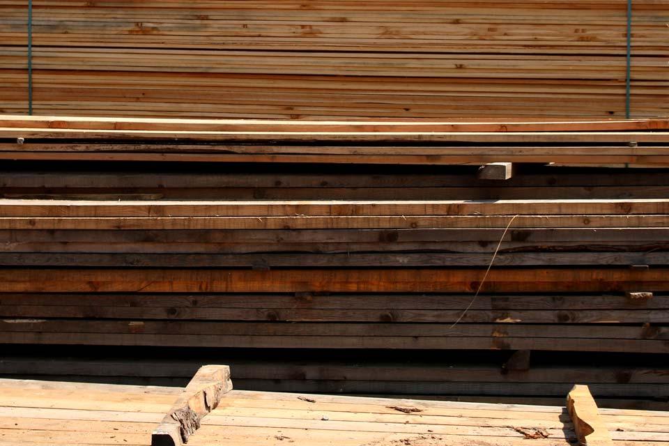 Great tavole in legno e morali with legno for Ccnl legno e arredamento