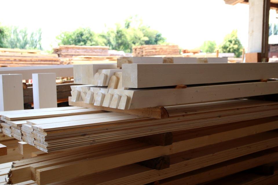 Travi in lamellare prezzi for Bricoman legno lamellare